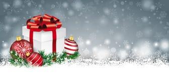 Gray Christmas Card Snow Baubles fattar gåvatitelraden Arkivbilder