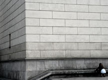 Gray concrete building Royalty Free Stock Photography