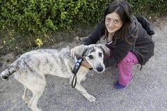 Gray Dog kvinna Royaltyfri Foto