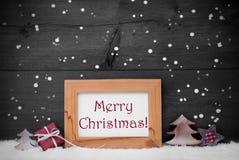 Gray Frame With Merry Christmas, neve e flocos de neve imagens de stock
