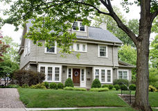 Gray House avec Paned Windows Photo stock