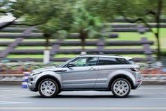 Gray Land Rover Evoque Wenzhou do centro, China fotos de stock royalty free