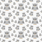 Gray Owls no fundo Textured branco do teste padrão da repetição da tela Foto de Stock Royalty Free