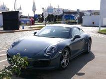 Gray Porsche 911 Carrera 4 bij zuiden van Lima wordt geparkeerd dat Stock Foto