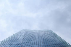 Gray sky and high-rise buildings Royalty Free Stock Photos