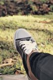 Gray Sneakers - accesorios y usable (zapatillas de deporte) Fotos de archivo libres de regalías