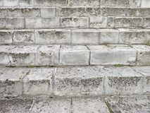 Gray Staircase idoso Escadaria de Gray Bricks idoso, vintage Stairc fotografia de stock