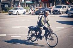 Graybeard в велосипеде Стоковые Фотографии RF