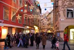 GRAZ ÖSTERRIKE - DECEMBER 17 , 2017: Jul dekorerade staden av Graz under December Royaltyfri Bild