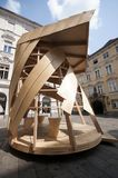 GRAZ, AUSTRIA: Escultura de madera en Graz, cerca de Schlossberg, Graz, Estiria, Austria, junio de 2017 Foto de archivo