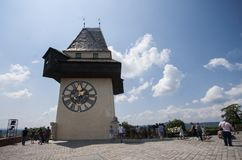 GRAZ, AUSTRIA: Schlossberg, torre de reloj, sitio del patrimonio mundial de la UNESCO, Graz, Estiria, Austria, Europa, junio de 2 Imagen de archivo libre de regalías