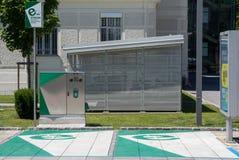 Graz, Autriche - 10 juin 2017 : Une station de charge de voiture électrique Image libre de droits