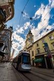 Graz Farnego kościół Herrengasse głównej ulicy tramwaj Obrazy Royalty Free