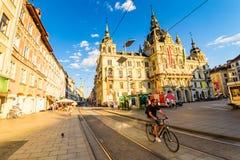 Graz miasta Austria turystycznego punktu urzędu miasta widok na Herrengasse i hauptplatz Zdjęcia Stock