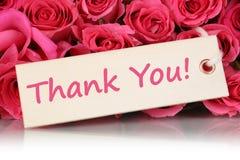 Grazie sulla cartolina d'auguri con i fiori delle rose sulla madre o su Val Immagine Stock Libera da Diritti
