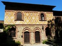 Grazzano威士康蒂,中世纪村庄的重建,自由输入,在皮亚琴察省,意大利 免版税图库摄影