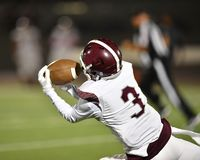 High School Football player in action during a game in South Texas royalty free stock photos