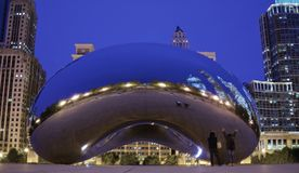 The Great Chicago Bean at Night!. What better way to take a selfie than by shooting your reflection in the Bean in Millennium Park, Chicago Stock Images