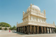 Great example of Mughal architecture, building of Tipu Sultan Gumbazigh with white roof Stock Photos