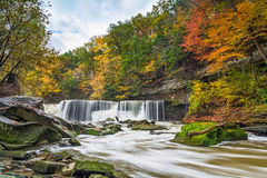 Great Falls med stor färg arkivbilder