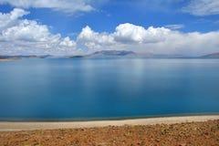 Great Lakes av Tibet SjöRakshas Tal Langa-TSO i sommar i sommardag arkivfoton