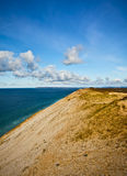Great Lakes Dunes, Michigan. A steep sand dune sits at the eastern edge of Lake Michigan, one of the Great Lakes in the United States, within the Sleeping Bear Stock Photo