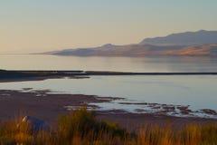 Great Salt Lake på solnedgången Arkivbild