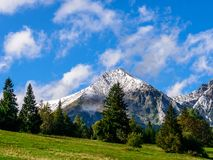 Sunny day in mountains Royalty Free Stock Photos