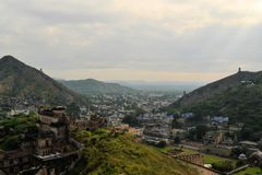 Great wall around Amber fort Jaipur, Rajasthan Stock Photo