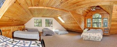 Greatroom moderne de maison de logarithme naturel Photo stock