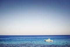 Grecia hermosa, isla maravillosa y mar Fotos de archivo libres de regalías