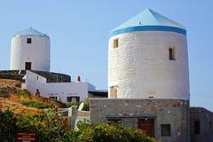 Grecia, isla de Sifnos, molinoes de viento tradicionales viejos foto de archivo libre de regalías