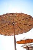 Grecia, paraguas asoleados foto de archivo libre de regalías