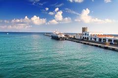 Grecia, Rhodes.Ship en bahía. Paisaje Imágenes de archivo libres de regalías