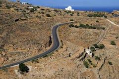 Grecia, Syros, camino ventoso Imagen de archivo