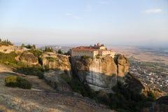 Grecia. Vista del convento de monjas de Agios Stefanos en Meteora Fotografía de archivo libre de regalías