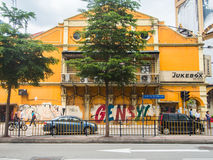 Grecian-spanjoren utformar byggnader på den lilla Indien gatan i Kuala arkivbild