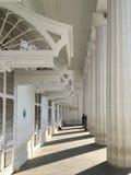 Grecianportiek en 8 indrukwekkende Dorische gestileerde pijlers van stadhuis bij horniman cical mumbai stock fotografie