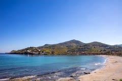 Grecja Kea wyspa Niebieskie niebo, spokojna woda morska, Otzias plaża fotografia stock