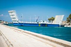 2016 Grecja Lefkada Poruszający most między wyspą i kontynentem Obrazy Stock