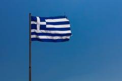 Grecja niebieskie niebo jako tło i flaga Grecja flaga lata Obrazy Royalty Free