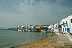 grecka wyspa przybrzeżna świetle wioski Obrazy Royalty Free