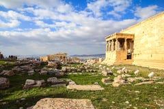 greece för acropolisatheenscaryatids farstubro Arkivbilder