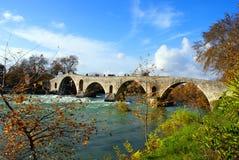 greece för lik bro gammal sten Royaltyfria Foton