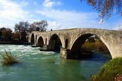 greece för lik bro gammal sten Royaltyfria Bilder