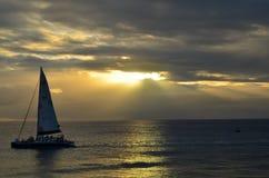 greece seglingsolnedgång Arkivbild