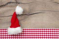 Greeetingskaart met santahoed voor chrismaskaart of coupon royalty-vrije stock fotografie