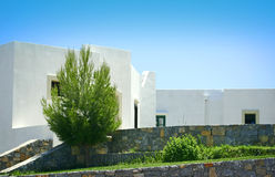 Free Greek House Against Blue Sky Royalty Free Stock Images - 8212649