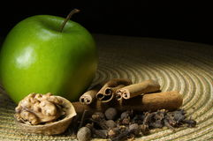 Green apple, cinnamon Stock Photos