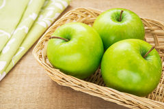 Free Green Apple In Wicker Basket, Filtered Image Stock Photography - 43162042